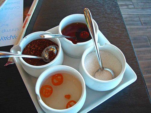 Les condiments en Thaïlande – Sauce de poisson piquante (Nampla Prig) (น้ำปลาพริก)